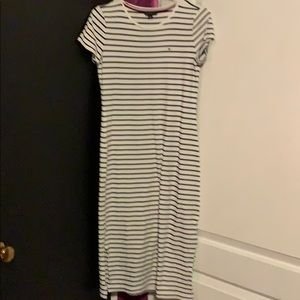Tommy Hilfiger striped dress form fitting